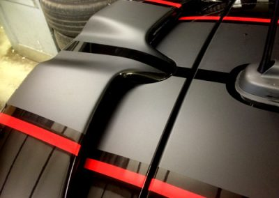 roof-viper-matt-black-with-red-pin-stripe
